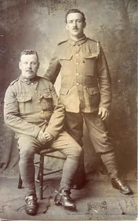 Photo: WWI Soldiers in Studio